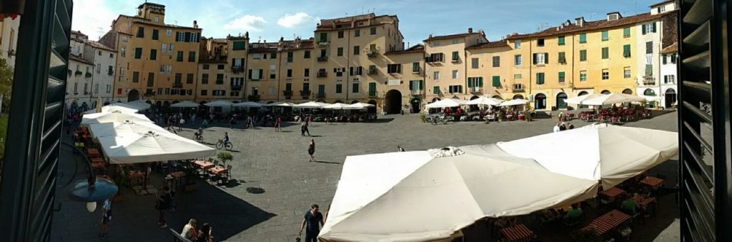 Lucca's Piazza